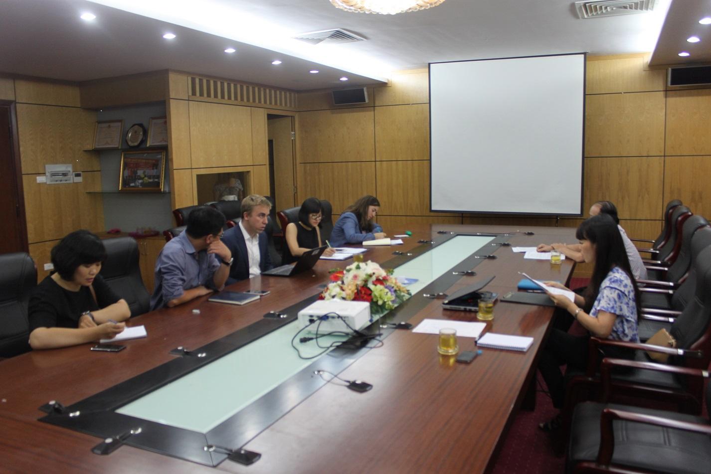 """Tổng cục Quản lý đất đai làm việc với Đoàn chuyên gia Ngân hàng Thế giới về cung cấp thông tin chuẩn bị Dự án """"Phát triển năng lượng mặt trời tại Việt Nam"""""""